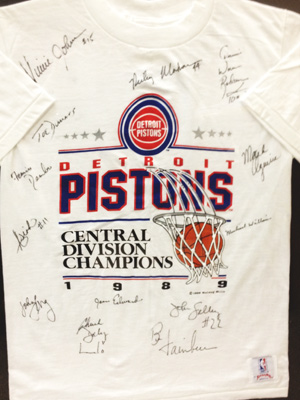 Detroit Pistons signed 1989 T-Shirt